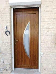 Porte PVC coloris chêne doré